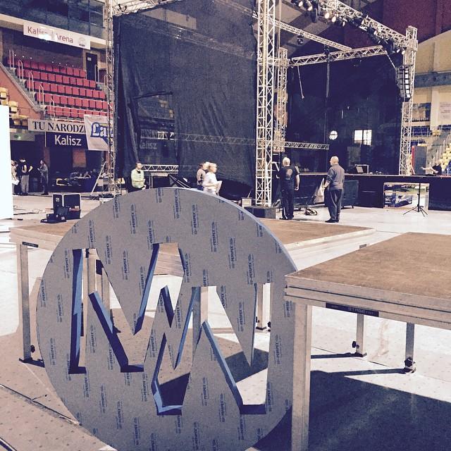 Budujemy scenę do Life Auto Pilot. Hala Arena Kalisz. #lap #event #show #before #wisdom #fun #emotions #habits ?❤️???‼️?⏰?